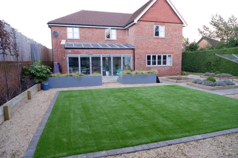 artificial grass for dogs london